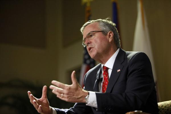 Jeb Bush Tells Hispanic Evangelicals He Supports Earned Legal Status For Undocumented Immigrants